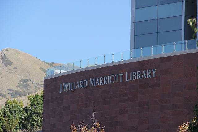 Bibliophilic+Paradise+at+Marriott+Library+fall+Booksale