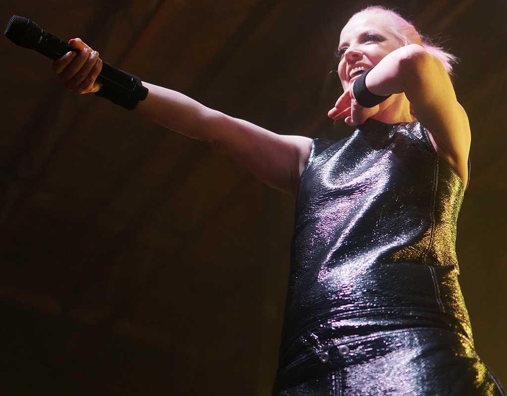 Garbage singer Shirley Manson performs at The Complex in Salt Lake City, Utah on Friday, Sept. 17, 2016. (Rishi Deka, Daily Utah Chronicle)