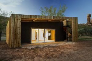 DesignBuildBLUFF Gives Architecture Students Hands-on Experience