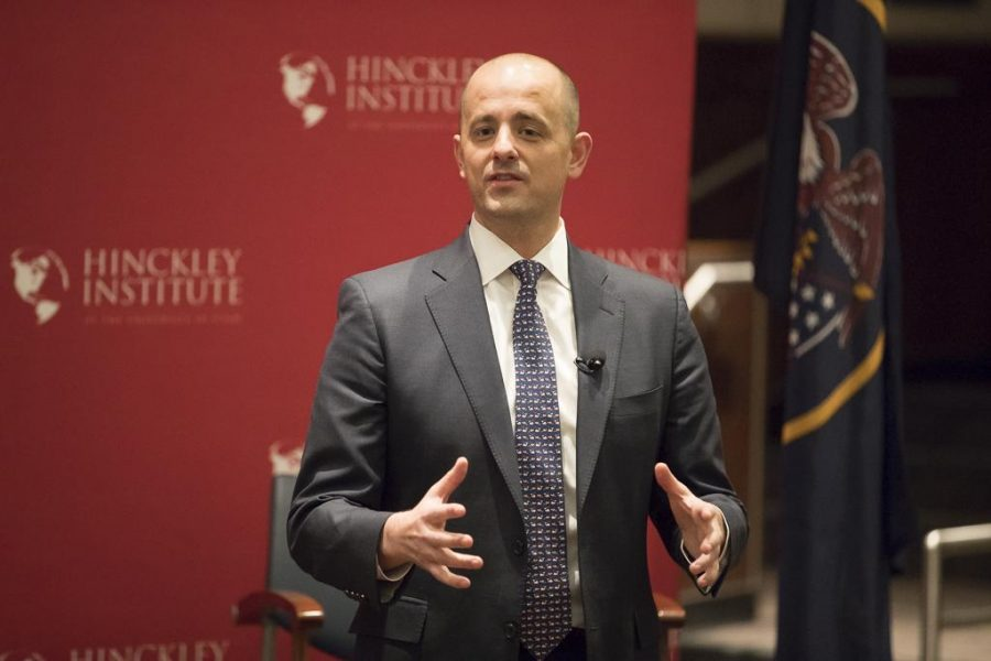 Students+Gather+for+Conversation+With+Evan+McMullin