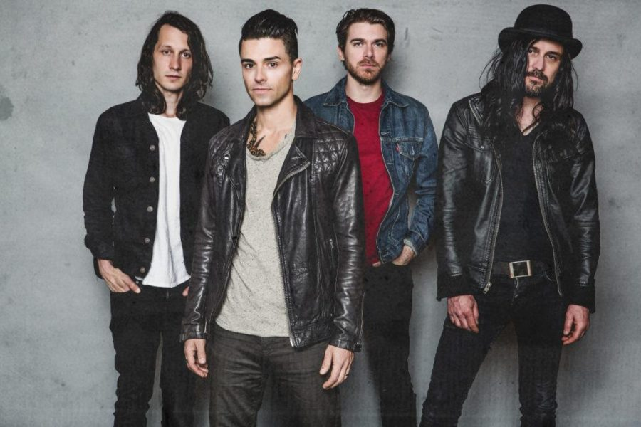 Dashboard Confessional Mixing Old, New Songs on Tour