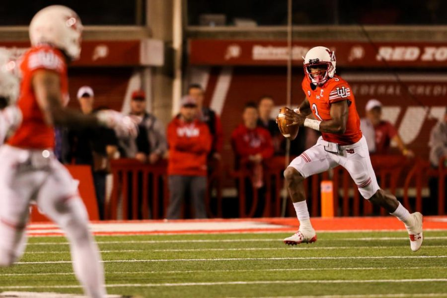 Troy Williams scrambles as Utah Utes Football takes on Stanford Cardinals at Rice-Eccles Stadium in Salt Lake City, UT on Saturday, October7, 2017.   (Photo by Curtis Lin/Daily Utah Chronicle)