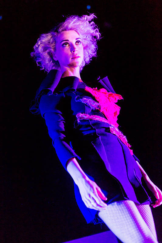Photo+by+Sachyn+Mital.+Annie+Clark+aka+St.+Vincent+performed+at+Terminal+5+in+New+York+on+26+February+2014