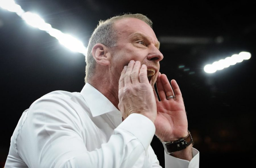 Utah Utes head coach Larry Krystkowiak yells instruction during the closing moments of the game against the Oregon Ducks in the quarterfinal round of the PAC-12 Tournament in Las Vegas, NV on Friday, March 9, 2018  (Photo by Adam Fondren | Daily Utah Chronicle)