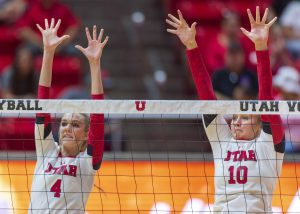 Volleyball Begins Pac-12 Play with 3-2 Loss