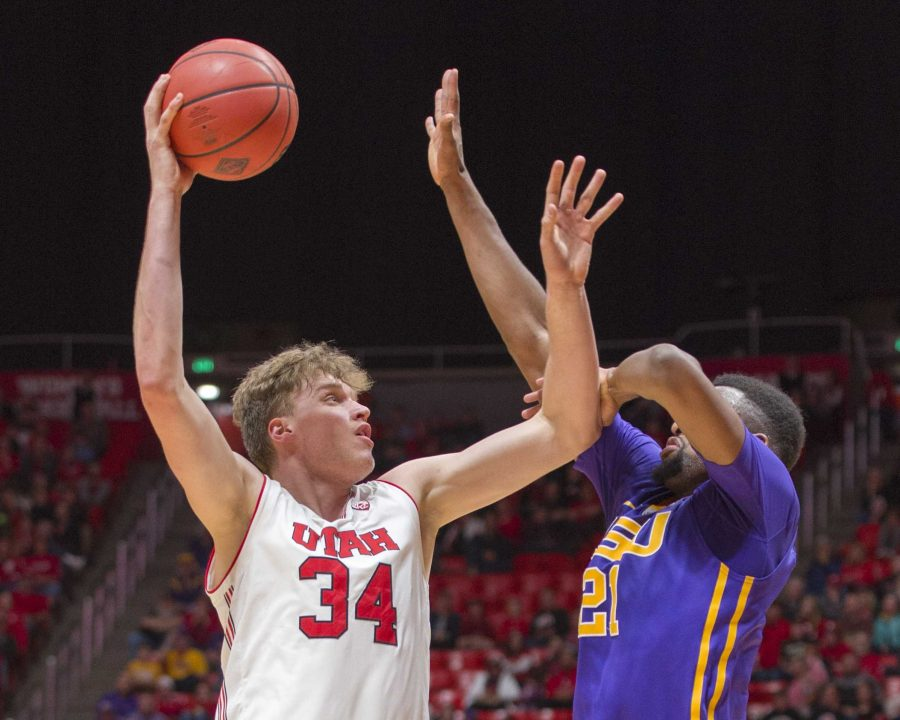 University+of+Utah+sophomore+forward%2Fcenter+Jayce+Johnson+%2834%29+takes+a+hook+shot+over+Louisiana+State+University+senior+forward+Aaron+Epps+%2821%29+during+an+NCAA+Basketball+game+at+the+Jon+M.+Huntsman+Center+in+Salt+Lake+City%2C+Utah+on+Monday%2C+March+19%2C+2018.%0A%0A%28Photo+by+Kiffer+Creveling+%7C+The+Daily+Utah+Chronicle%29