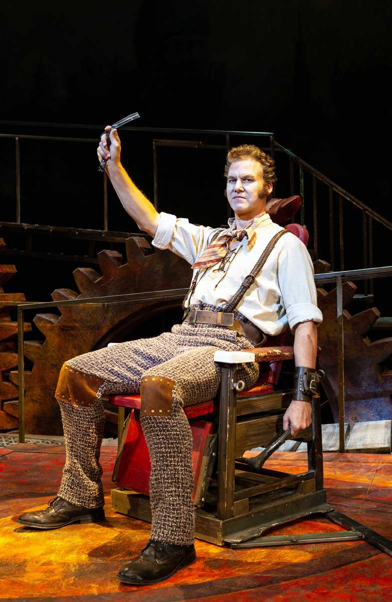 Kevin Early as Sweeney Todd. Courtesy Pioneer Theatre Company