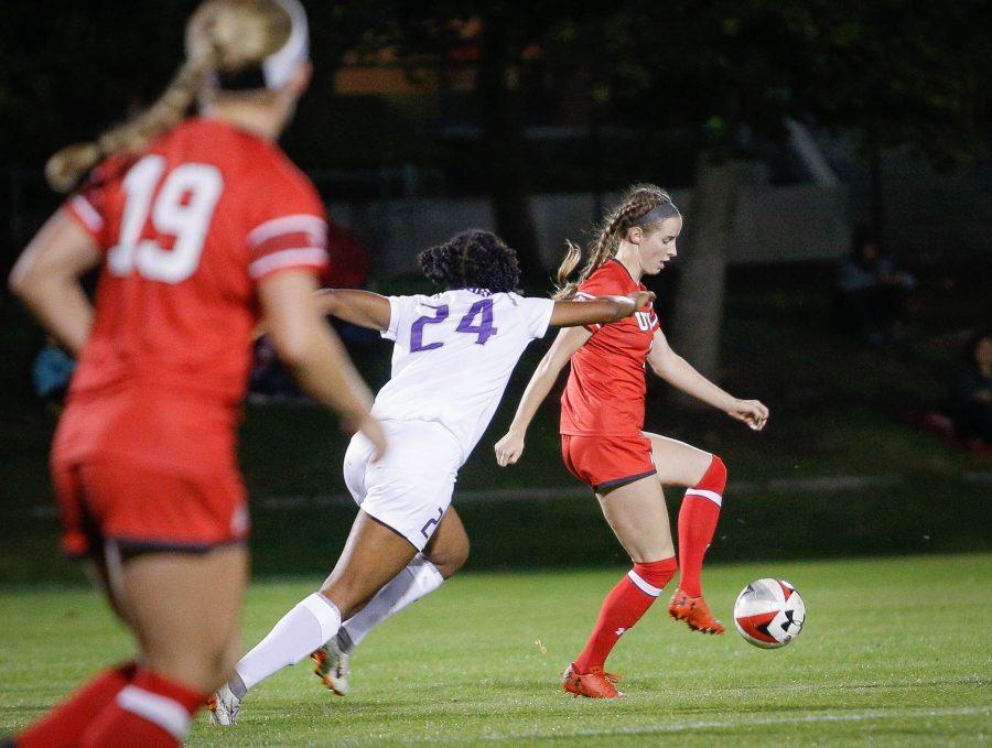 NCAA+Women%27s+Soccer+game+vs.+Washington+at+Ute+Soccer+Field+in+Salt+Lake+City%2C+UT+on+Thursday+October+04%2C+2018.+%28Photo+by+Cassandra+Palor+%7C+The+Utah+Chronicle%29