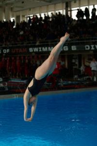 Utah Women's Swimming and Diving Rise Above UNLV