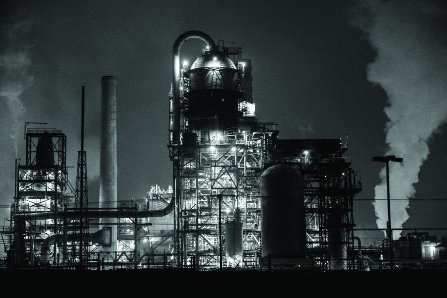 Marathon Petroleum Refinery at night  (Photo by: Kiffer Creveling | The Daily Utah Chronicle)