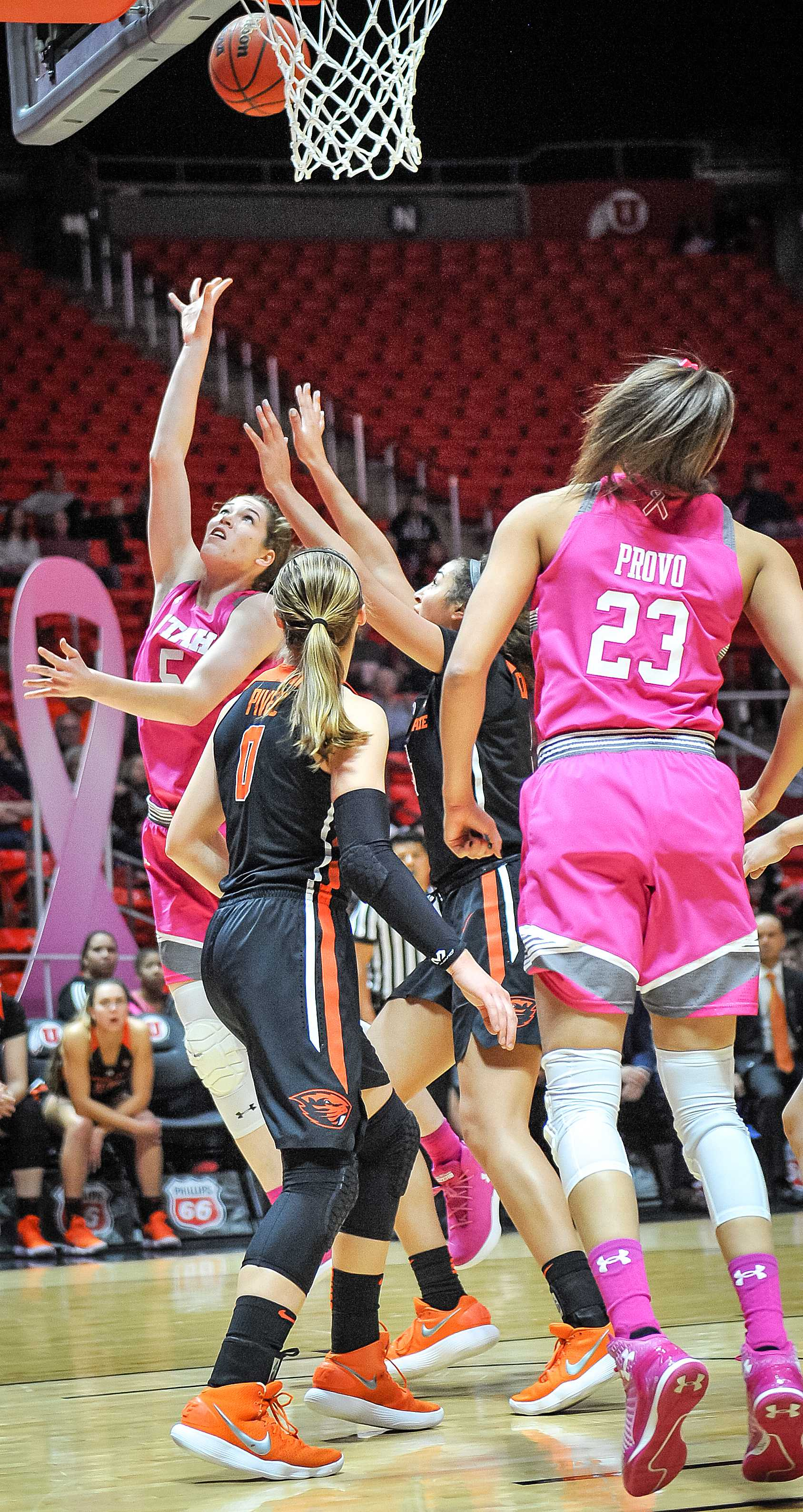 The University of Utah Lady Utes Basketball Team takes on the Oregon State University Beavers in Salt Lake City, UT on Friday, Jan. 26, 2018  (Photo by Adam Fondren | Daily Utah Chronicle)