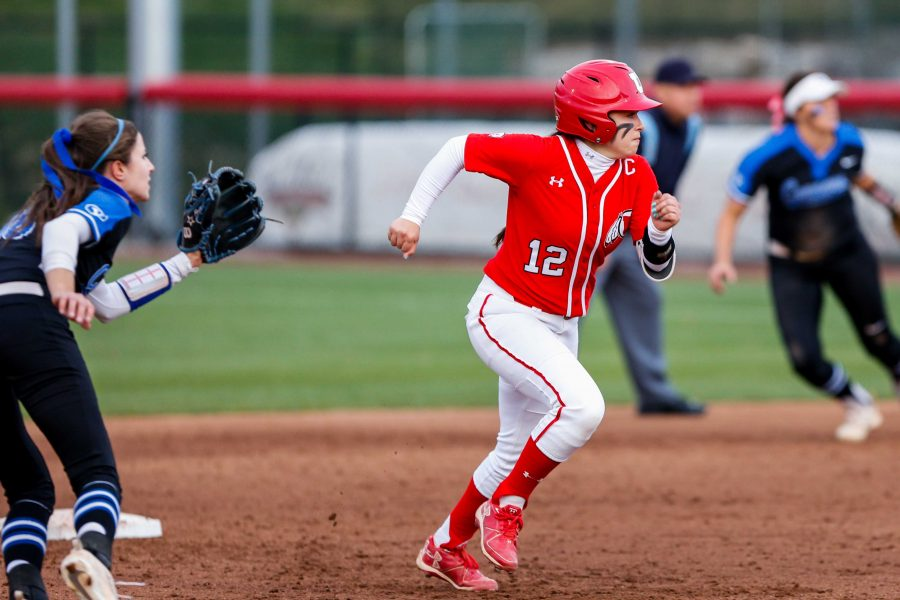 University+of+Utah+sophomore+utility+Breonna+Castaneda+%2812%29+looks+to+run+during+an+NCAA+Softball+game+vs+the+BYU+Cougars+at+Dumke+Family+Softball+Stadium+in+Salt+Lake+City%2C+UT+on+Wednesday+April+18%2C+2018.%0A%0A%28Photo+by+Curtis+Lin%2F+Daily+Utah+Chronicle%29
