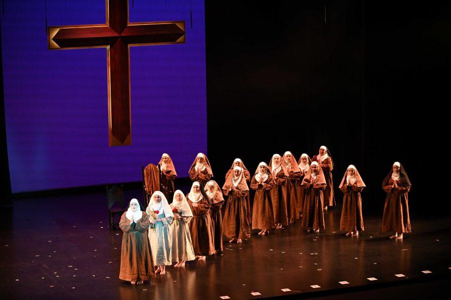 The cast of Dialogues des Carmelites. Photo by Robert Breault.