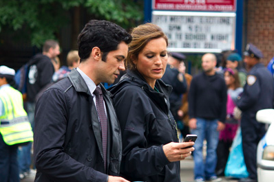 Danny Pino and Mariska Hargitay, performers in