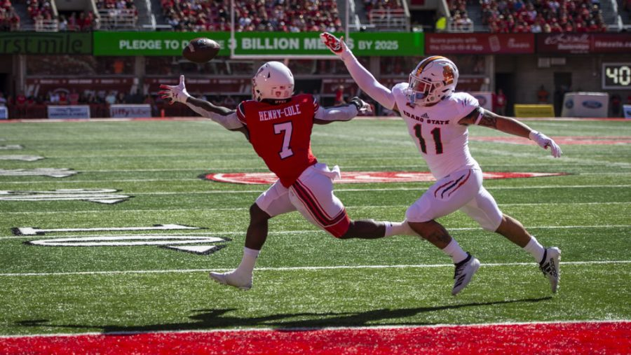 University of Utah sophomore quarterback Cameron Rising (7) reaches for the ball during an NCAA Football game vs. The Idaho State Bengals at Rice Eccles Stadium in Salt Lake City, Utah on Saturday, Sept. 14, 2019. (Photo by Kiffer Creveling | The Daily Utah Chronicle)