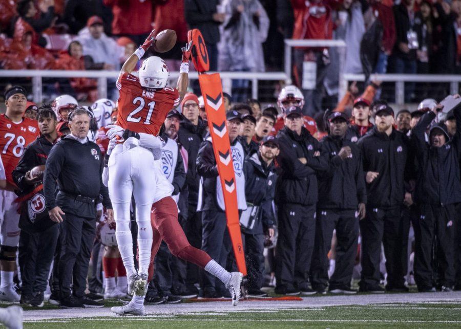 University+of+Utah+sophomore+wide+receiver+Solomon+Enis+%2821%29+makes+a+catch+over+Washington+State+defense+during+an+NCAA+Football+game+at+Rice+Eccles+Stadium+in+Salt+Lake+City%2C+Utah+on+Saturday%2C+Sept.+28%2C+2019.+%28Photo+by+Kiffer+Creveling+%7C+The+Daily+Utah+Chronicle%29