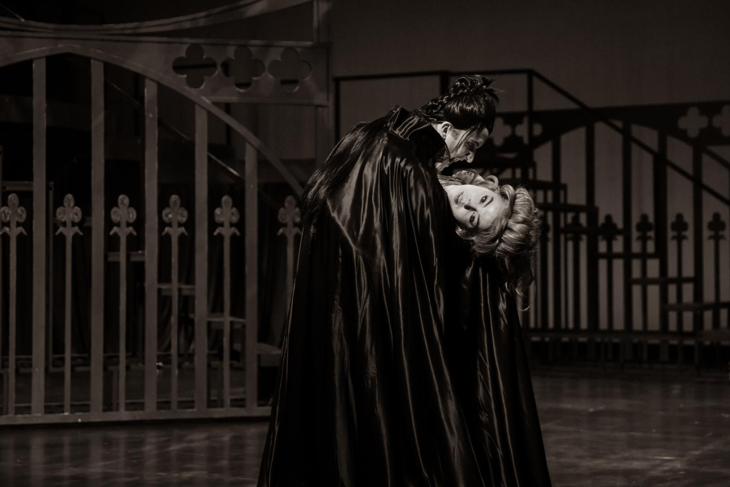 Count Dracula transforms Lucy into a Vampire. (Courtesy of the University of Utah Theatre Department.)