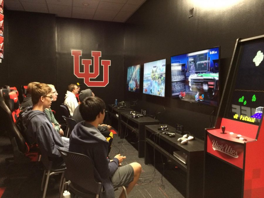 Students+playing+in+the+new+gaming+lounge.+Courtesy+of+the+Union.