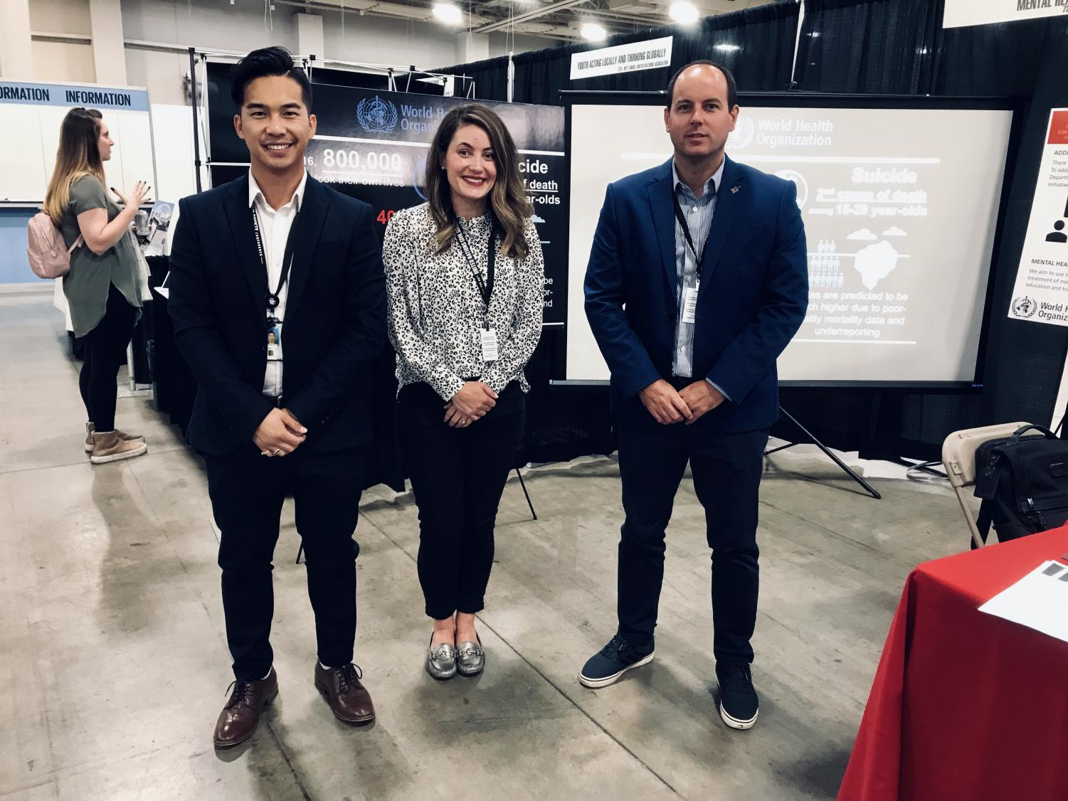 Alexander Au (left) stands with his mentors, mentors Dr. Sarah Mullowney (center) and Dr. Damian Borbolla (right). (Courtesy Alexander Au)
