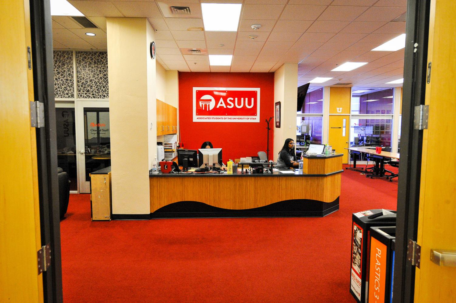Laura Seymour and Mina Brown at the welcome desk at the ASUU offices in the Ray A. Olpin Student Union on the University of Utah Campus, Salt Lake City, UT on Thursday, July 13, 2017(Photo by Adam Fondren | Daily Utah Chronicle)
