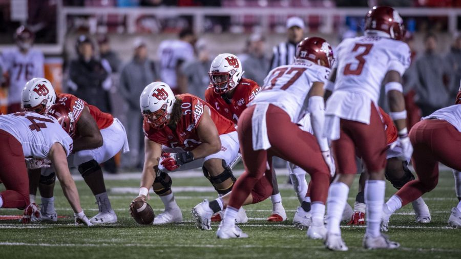 University+of+Utah+junior+offensive+lineman+Orlando+Umana+%2850%29+snaps+the+ball+during+an+NCAA+Football+game+vs.+Washington+State+at+Rice+Eccles+Stadium+in+Salt+Lake+City%2C+Utah+on+Saturday%2C+Sept.+28%2C+2019.+%28Photo+by+Kiffer+Creveling+%7C+The+Daily+Utah+Chronicle%29