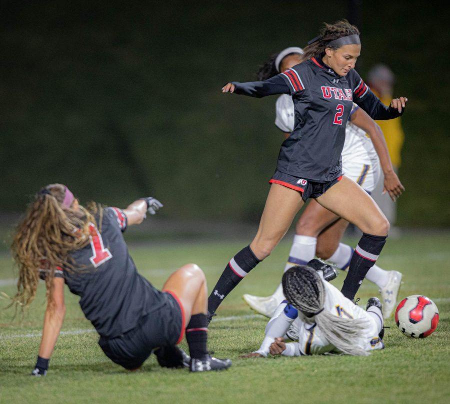 TAVIA LEACHMAN (2) dribbles pass her opponents in University of Utah womens soccer vs. California Bears game at Ute Soccer Field in Salt Lake City, Utah on Thursday, Oct. 24, 2019. (Photo by Cassandra Palor| The Daily Utah Chronicle)