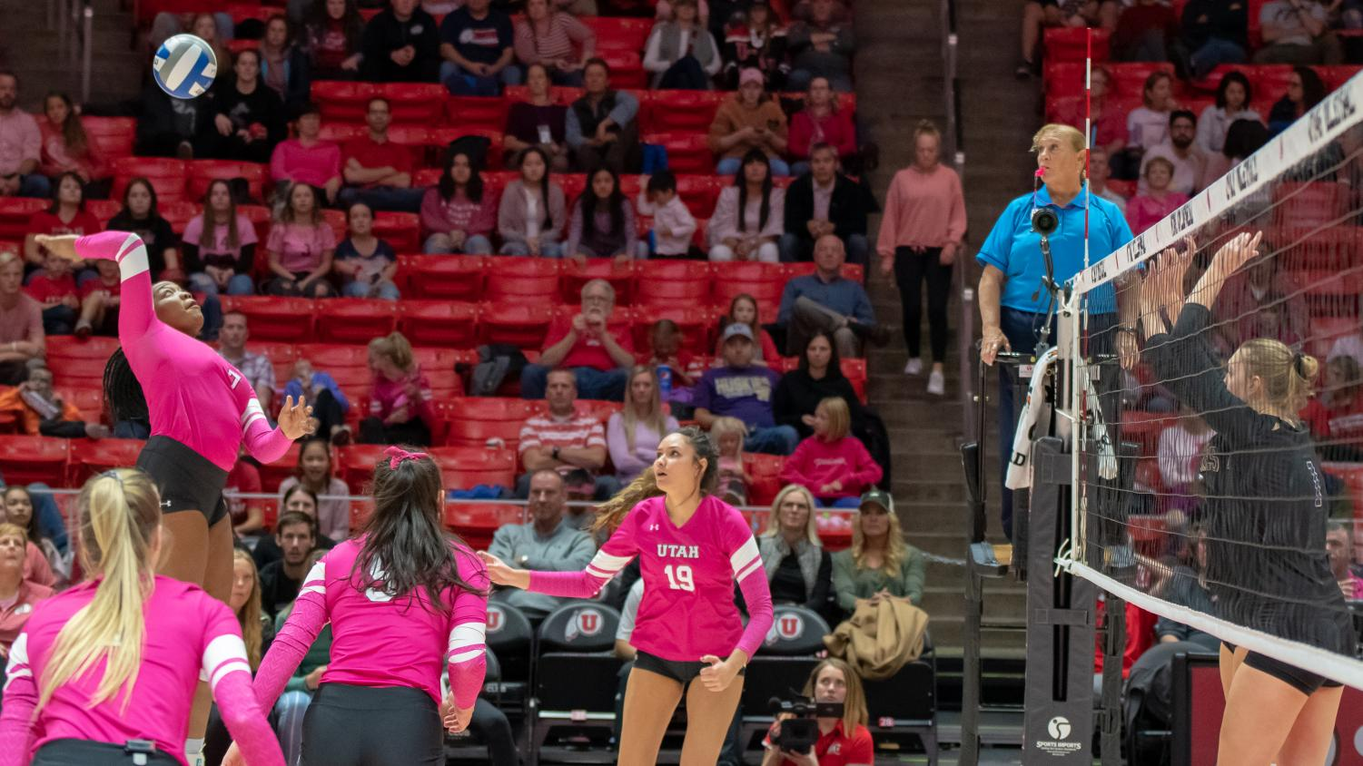 University of Utah Outside Hitter Zoe Weatherington (7) goes for the kill in an NCAA Volleyball match vs. The Washington Huskies at the Jon M. Huntsman Center in Salt Lake City, Utah on Friday, Oct. 25, 2019. (Photo by Abu Asib | The Daily Utah Chronicle)