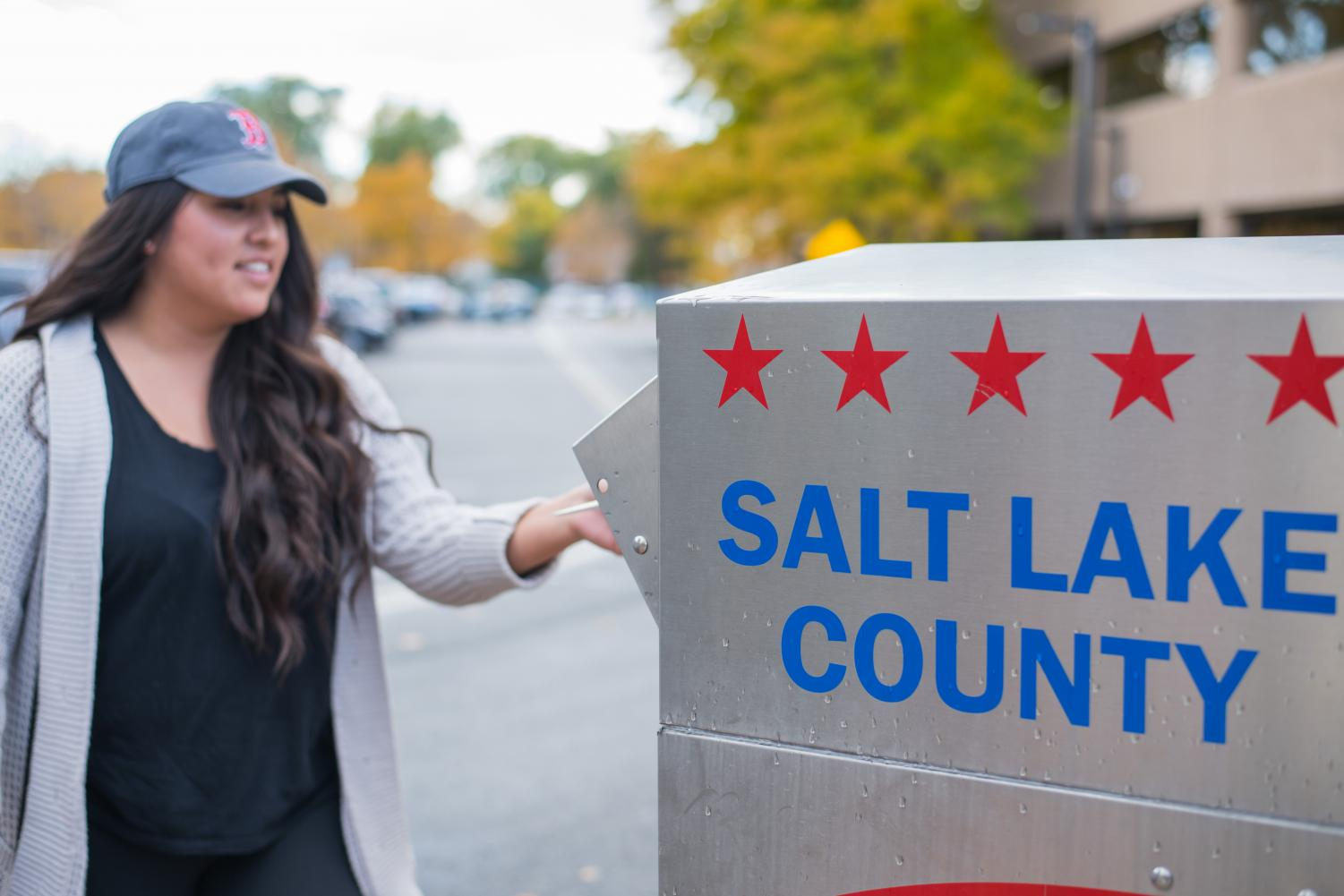 People casting their votes during the Midterm Elections 2018 at the Salt Lake County Building in Salt Lake City, UT on Tuesday, Oct. 23, 2018. (Photo by Curtis Lin | Daily Utah Chronicle)