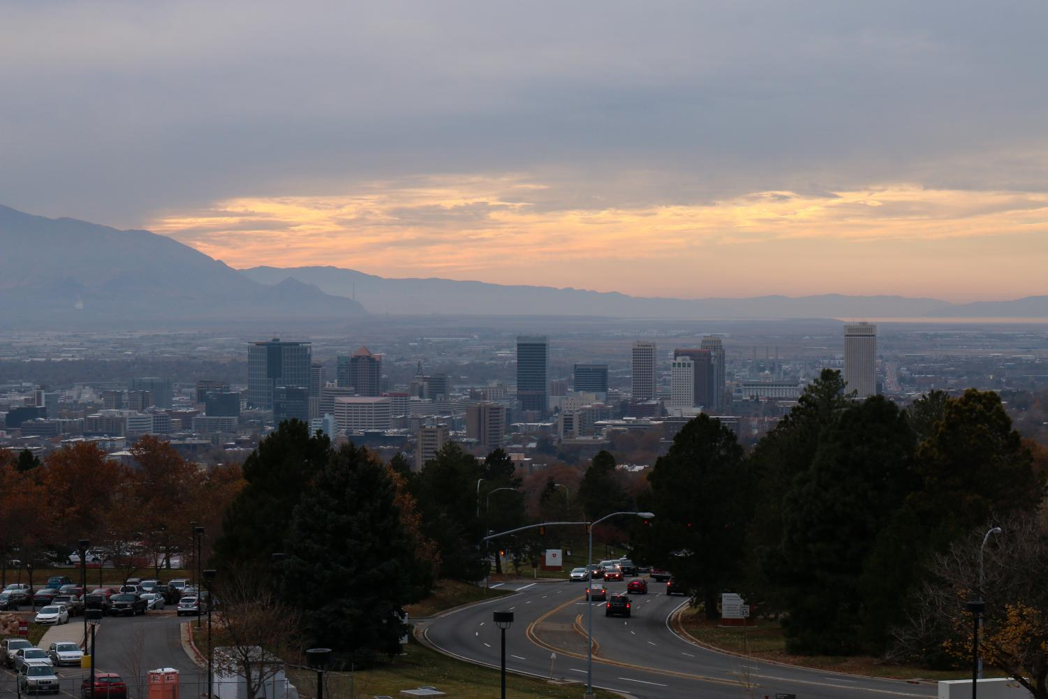 Inversion in Salt Lake City, UT on Friday, Nov. 10, 2017. (Photo by Curtis Lin/ Daily Utah Chronicle)