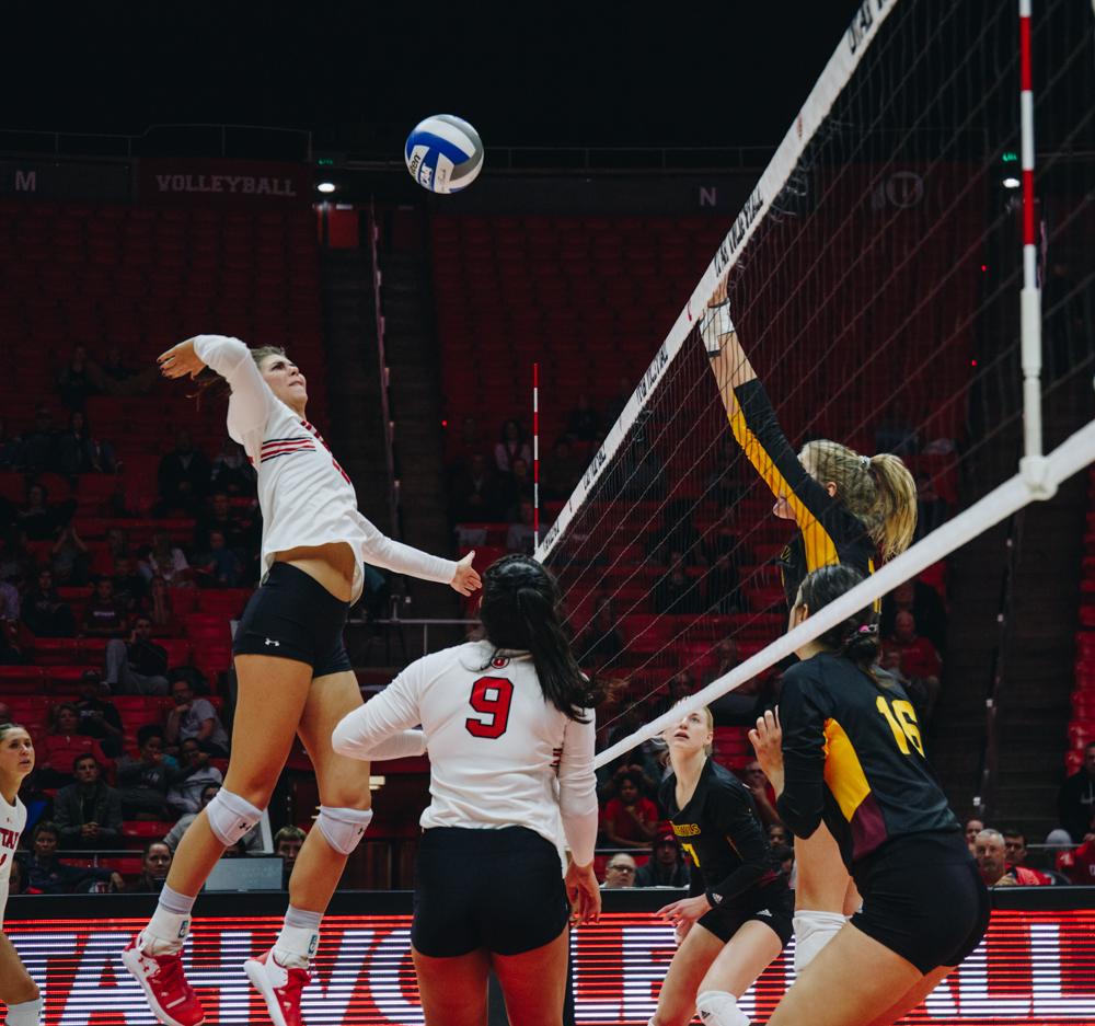The University of Utah Volleyball team plays against Arizona State University in the Huntsman Center, University of Utah Campus, Salt Lake City, UT on Friday, Nov. 1, 2019. (Photo by Mark Draper | The Daily Utah Chronicle)