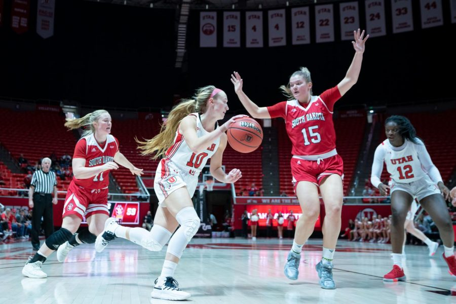 University+of+Utah+Utes+Women%E2%80%99s+Basketball+Team+Guard+Dru+Gylten+%2810%29+dribbles+with+the+ball+during+an+NCAA+Basketball+match+vs.+the+South+Dakota+Coyotes+at+the+Jon+M.+Huntsman+Center+in+Salt+Lake+City%2C+Utah+on+Saturday%2C+Nov.+16%2C+2019.+%28Photo+by+Abu+Asib+%7C+The+Daily+Utah+Chronicle%29