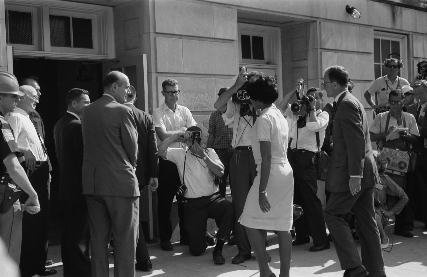Vivian Malone Jones, one of the first two black students at the University of Alabama, arrives to register for classes. (Courtesy Wikimedia Commons)