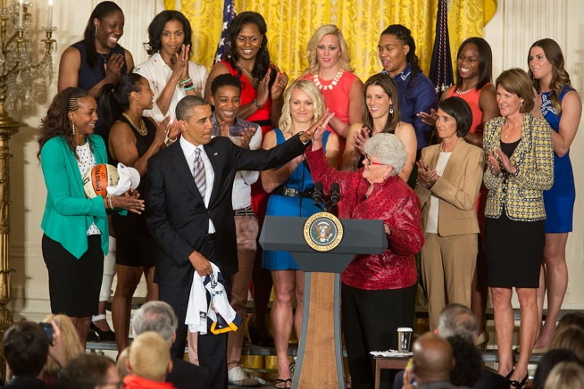 President+Barack+Obama+welcomes+the+WNBA+Champion+Indiana+Fever+to+the+East+Room+of+the+White+House+to+honor+the+team+and+their+victory+in+the+WNBA+Finals%2C+June+14%2C+2013.+%28Photo+by+Chuck+Kennedy+%7C+Courtesy+Obama+White+House+Archives%29