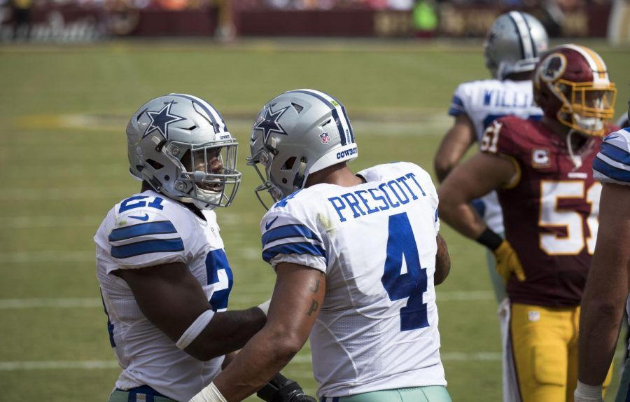 Dak+Prescott+and+Ezekiel+Elliott+during+Cowboys+at+Redskins+game+on+9%2F18%2F16+%28Courtesy+Wikimedia+Commons%29