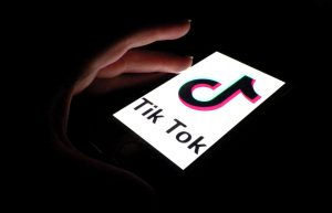 TikTok creating a place for the creator and consumer. (Photo by Hailey Danielson | The Daily Utah Chronicle)