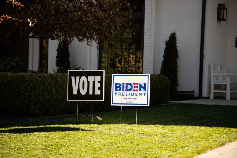 A Biden campaign sign in a Salt Lake City resident's lawn (Photo by Maya Fraser | The Daily Utah Chronicle)