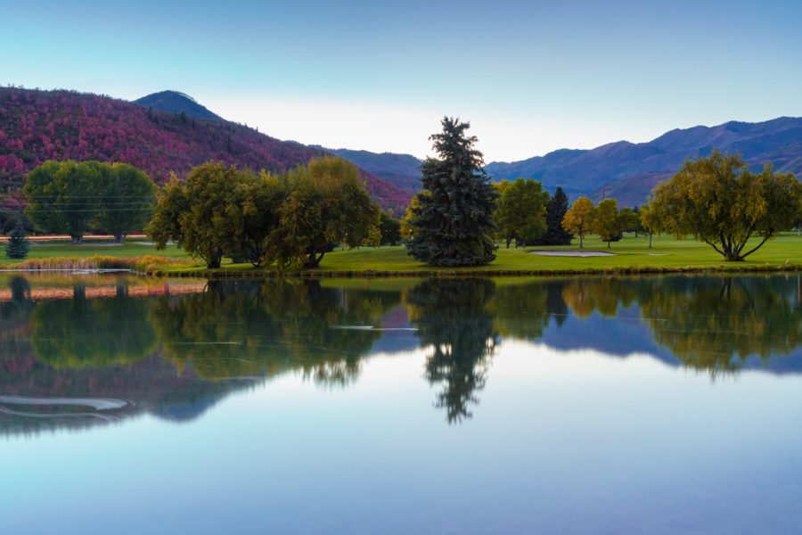 The magnificent view of the golf course at the Wasatch Mountain State Park during early fall colors in late September, 2020 (Photo by Abu Asib | The Daily Utah Chronicle)