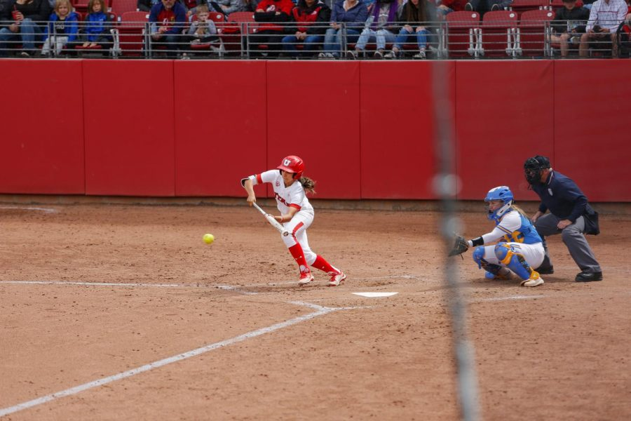 The+Ute%27s+softball+team+defended+the+diamond+in+a+three+game+series+against+UCLA.+Sophomore+Alyssa+Barrera+lays+down+a+bunt+for+the+Utes.%28Photo+by%3A+Justin+Prather+%7C+Daily+Utah+Chronicle%29