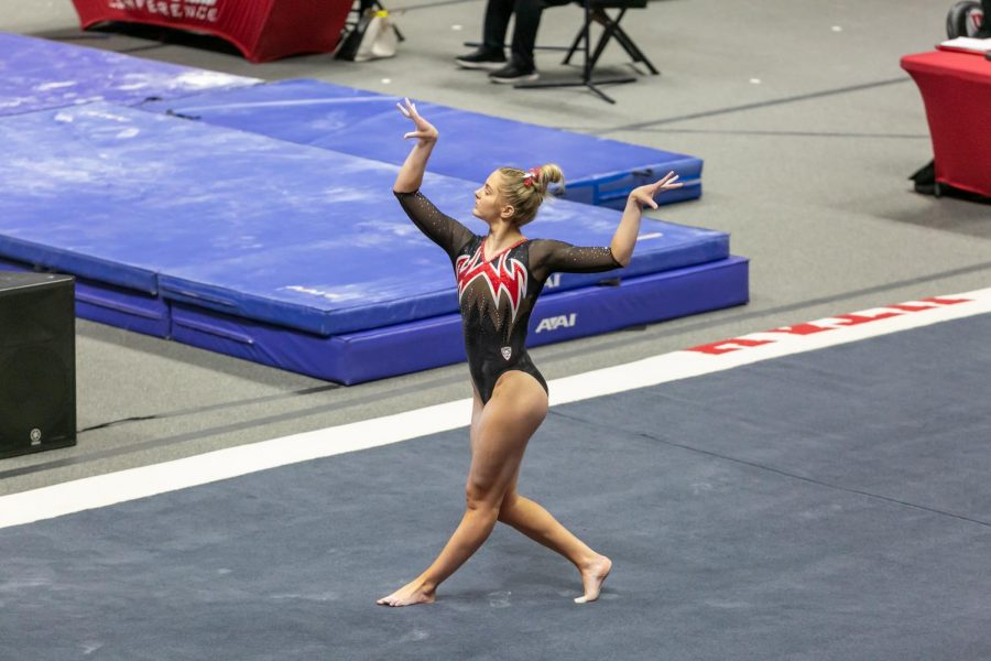 University of Utah freshman Lucy Stanhope in a NCAA Women's Gymnastics meet vs. the Washington Huskies at the Jon M. Huntsman Center in Salt Lake City, Utah on Friday, Jan. 30, 2021. (Photo by Kevin Cody | The Daily Utah Chronicle)