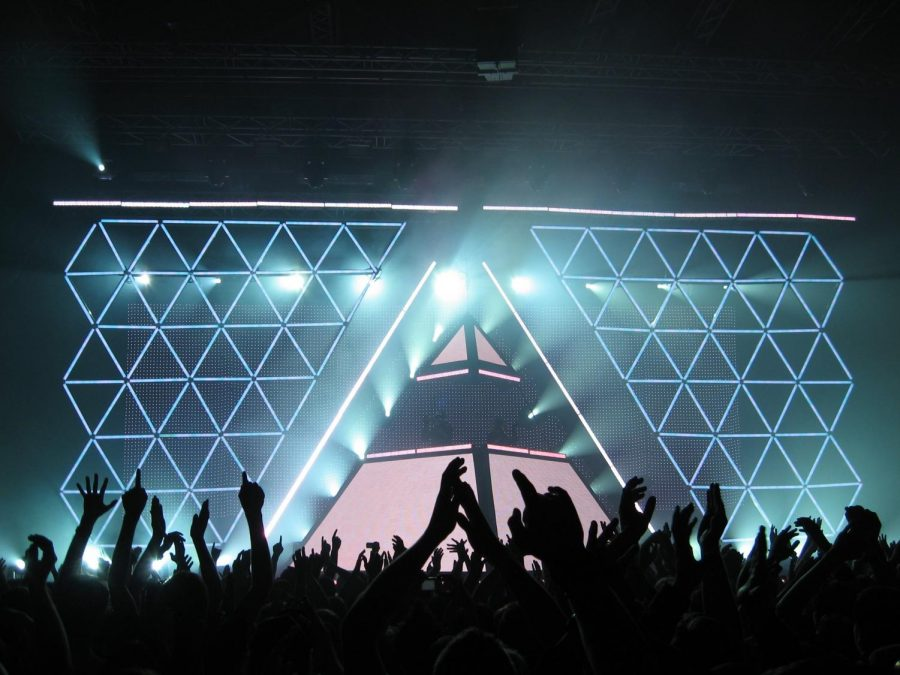 Daft+Punk+Concert+in+2007+at+Dusseldorf.+%28Photo+by+Andreas+H.+%7C+Courtesy+Flickr%29