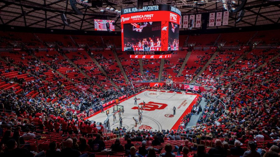 The University of Utah competes against Stanford during an NCAA Basketball game at the Jon M. Huntsman Center in Salt Lake City, Utah on Thursday, Feb. 6, 2020. (Photo by Kiffer Creveling | The Daily Utah Chronicle)