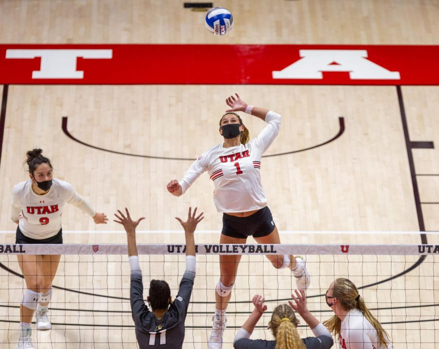 U of U Volleyball player, Dani Drews (#1), during the game against Colorado on Mar 21, 2021 at the Jon M. Huntsman Center on campus. (Photo by Tom Denton | The Daily Utah Chronicle)