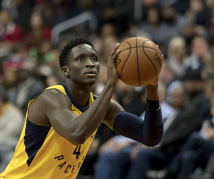 Vicotor Oladipo in a Pacers vs Wizards game on 3/17/18 (Image via WikiMedia Commons)