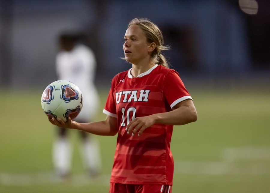 University of Utah's Haley Farrar (R-Jr. midfielder, #10) during the game against the ASU Sun Devils on Apr 9, 2021 at Ute field on campus. (Photo by Jack Gambassi | The Daily Utah Chronicle)