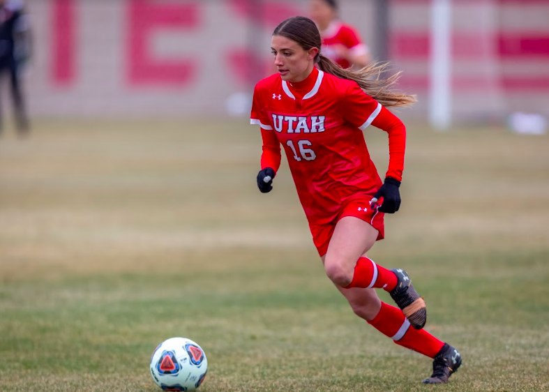 University of Utah's Courtney Talbot (So. midfielder, #16) during the game against the Washington Huskies on March 26, 2021 at ute field on campus. (Photo by Jack Gambassi | The Daily Utah Chronicle)