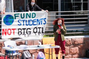 'Fund Students, Not Big Oil': Divest U Holds Protest on Earth Day