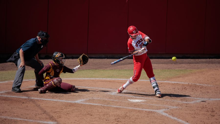 University of Utah softball team player and sophomore Halle Morris (No. 22) bats during an NCAA dual meet against Arizona State University at the Dumke Family Softball Stadium in Salt Lake City on March 27, 2021. (Photo by Abu Asib | Daily Utah Chronicle)