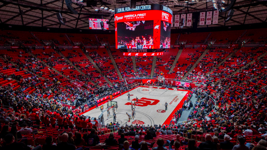 The University of Utah competes against Stanford during an NCAA Basketball game at the Jon M. Huntsman Center in Salt Lake City, Utah on Thursday, Feb. 6, 2020. (Photo by Kiffer Creveling | Daily Utah Chronicle)