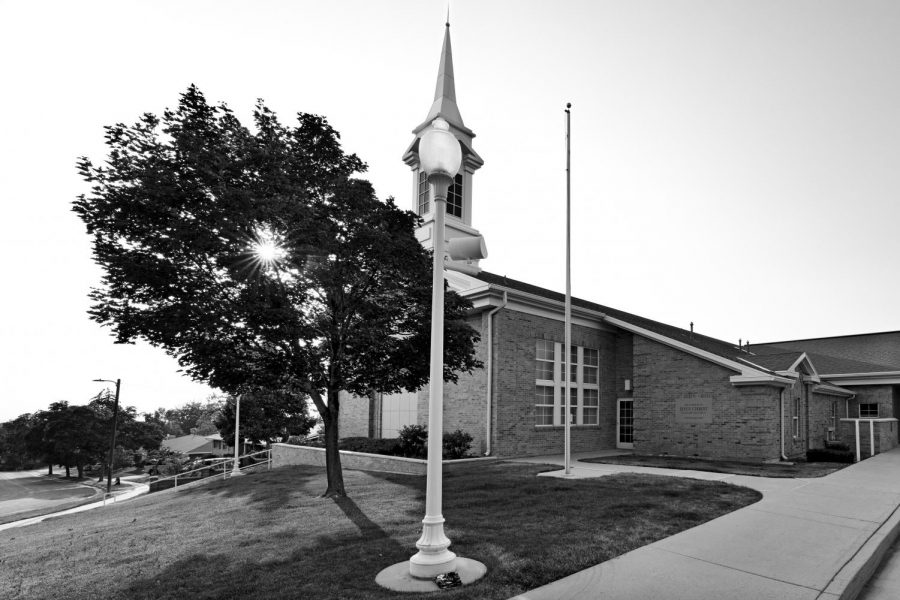 Local Mormon church near Foothill Drive on Sunday, July 11, 2021. (Photo by Kevin Cody | The Daily Utah Chronicle)