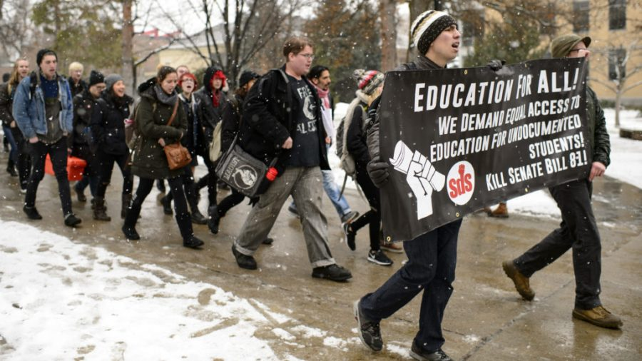Students+at+the+University+of+Utah+walk+out+of+classes+on+Thursday+to+protest+the+inauguration+of+Donald+Trump.+%28Kiffer+Creveling+%7C+The+Daily+Utah+Chronicle%29